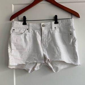 Gap white denim boyfriend shorts size 26